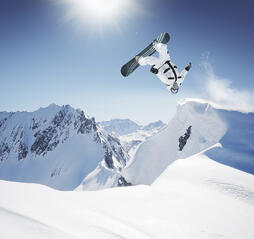 iStock_000007999816Medium_snowboarder