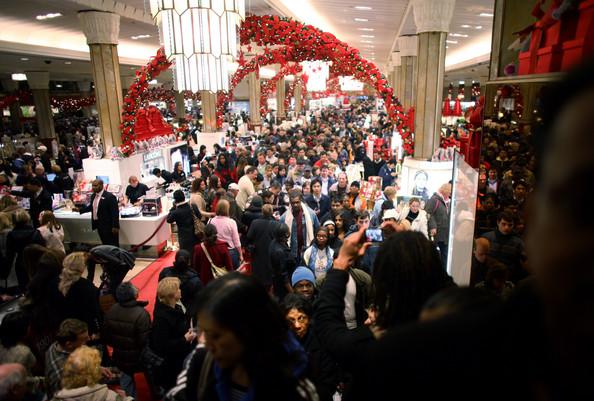 christmas-shopping-crowd